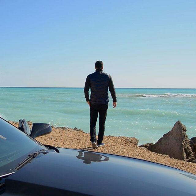 دانلود موزیک ویدیو جدید بهنام علمشاهی به نام یه مدل تازه