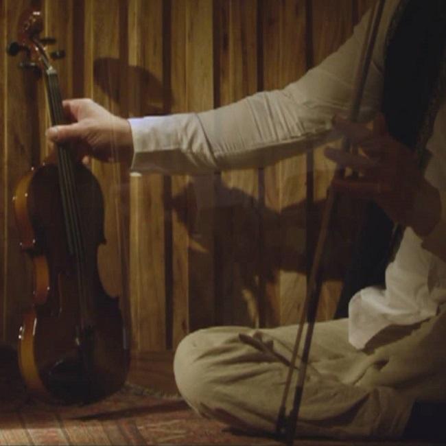 دانلود موزیک ویدیو جدید بابک قادری بنام سنجاقک